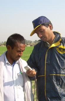 Farmers use phones to improve their lot in Uttar Pradesh India. Visit Lifelines India